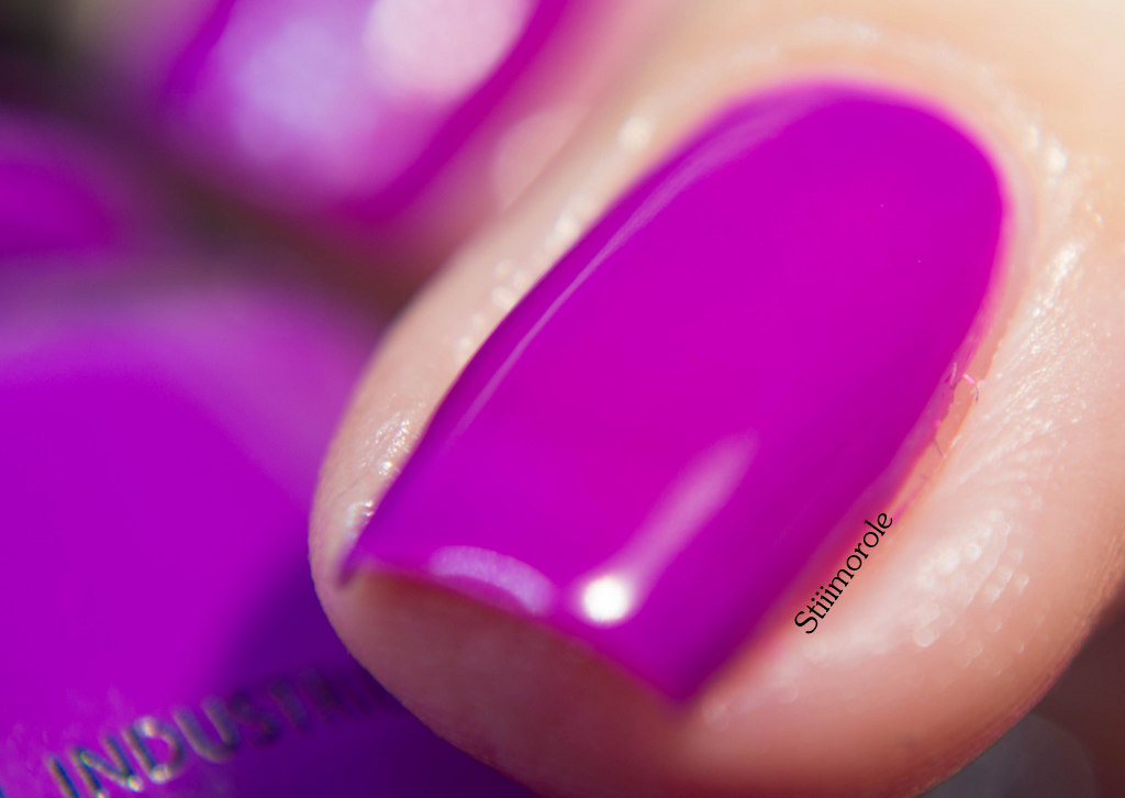 1-China Glaze - Violet vibes 4